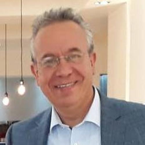 Dr. José Antonio Cabello Gil